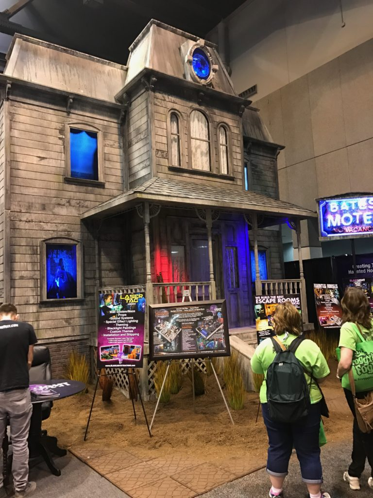 Build a haunted attraction-transworld haashow